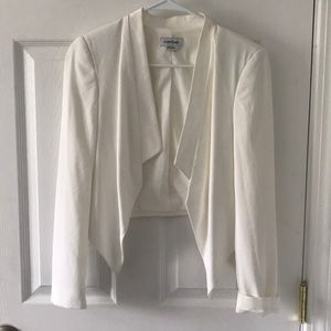 White Bebe cropped high low blazer